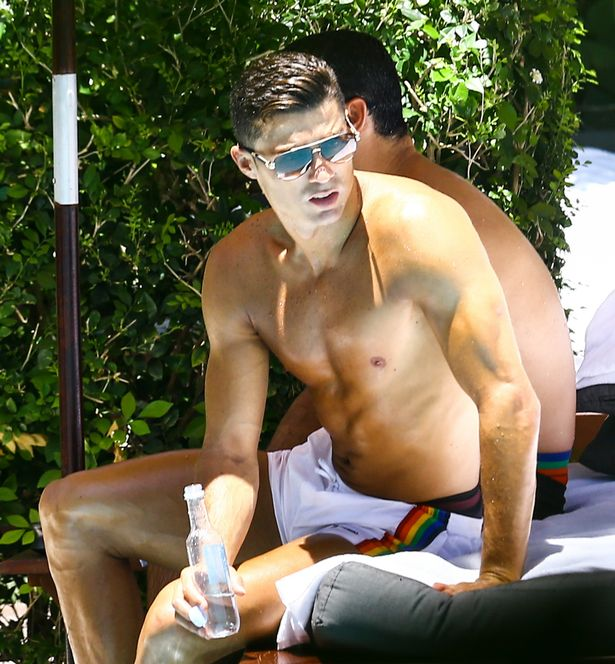 , Shirtless CR7 in sunny Romantic mode with fitness model, Latest Nigeria News, Daily Devotionals & Celebrity Gossips - Chidispalace