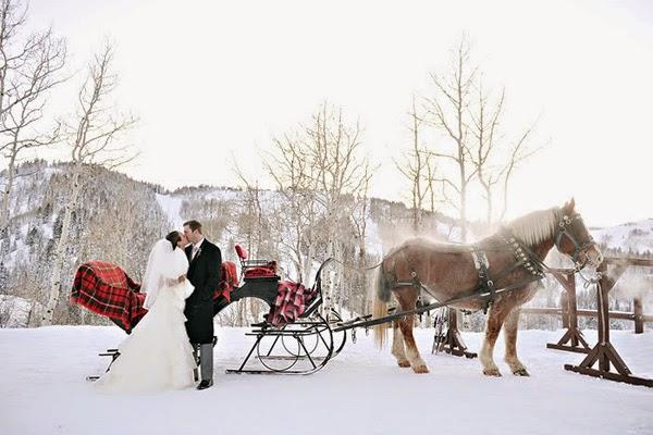 "winter-wedding-bride-groom-sleigh-rebekah-westover Partecipazione ""Cristalli di neve""...Nozze d'Inverno"