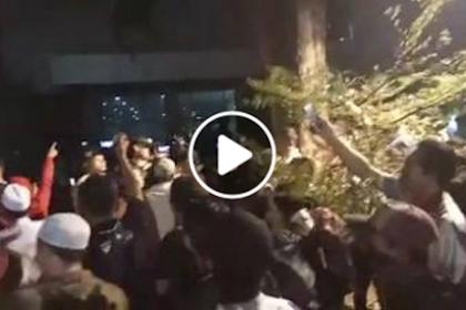 Video Mencekam! Masyarakat Minta Polisi Bubarkan Acara Seminar Simpatisan PKI di Kantor YLBHI