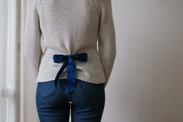 bow back sweater diy francinesplaceblog