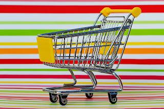 O carrinho de compra que sempre usamos para ilustrar listas de produtos liberados para No Poo e que são vendidos em farmácia e / ou supermercado.