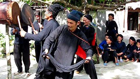 Lễ hội Khu Cù Tê   Tết tháng bảy của người La Chí, Hà Giang