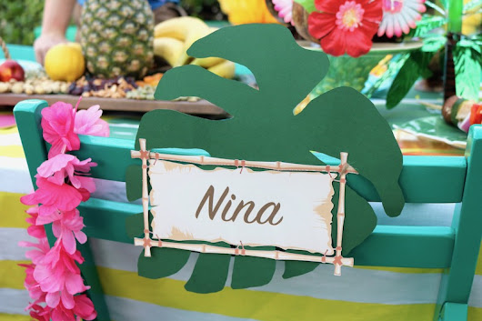 LAURA'S little PARTY: Luau Party Ideas with Shindigz!