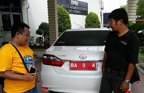 Toyota Camry untuk Ketua DPRD Kota Padang di Penghujung Tahun