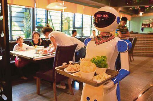 Pelayan Robot Kena Pecat