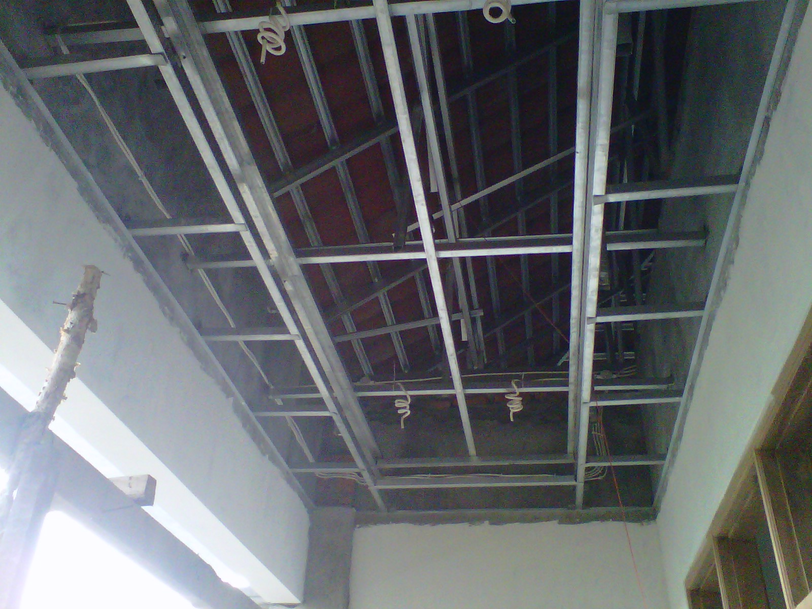ukuran plafon baja ringan desain rangka gypsum interior minimalis