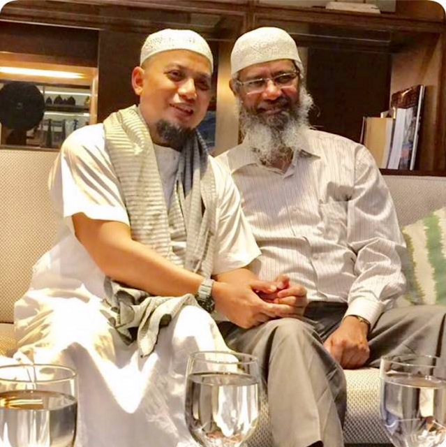 DR Zakir Naik Hadir di Indonesia