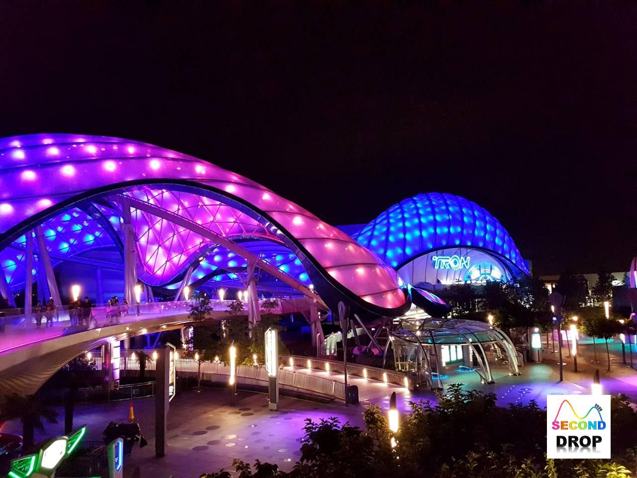 https://4.bp.blogspot.com/-PrzhnTWe_2E/WWR7QQCxocI/AAAAAAAAD84/EUURxtzAdFkKsEMyZJ9eOHldxhQwlrnNwCLcBGAs/s1600/Shanghai-Disneyland-01.jpg