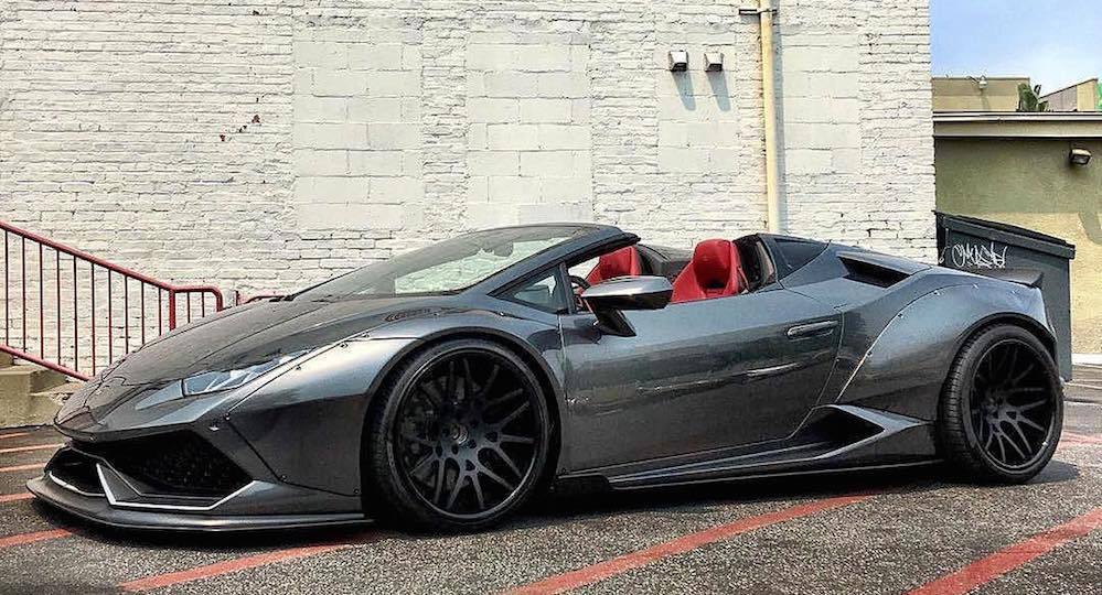 the first liberty walk lamborghini huracan spyder is complete. Black Bedroom Furniture Sets. Home Design Ideas