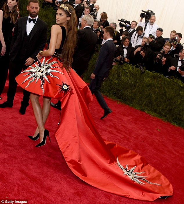 Zendaya Coleman wears an extravagant dress to the 2015 Met Gala in NYC