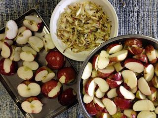 IMG 4898%255B1%255D - Homemade Applesauce