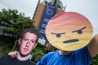 مارك زوكربيرغ يعتذر عن تسريب بيانات المستخدمين