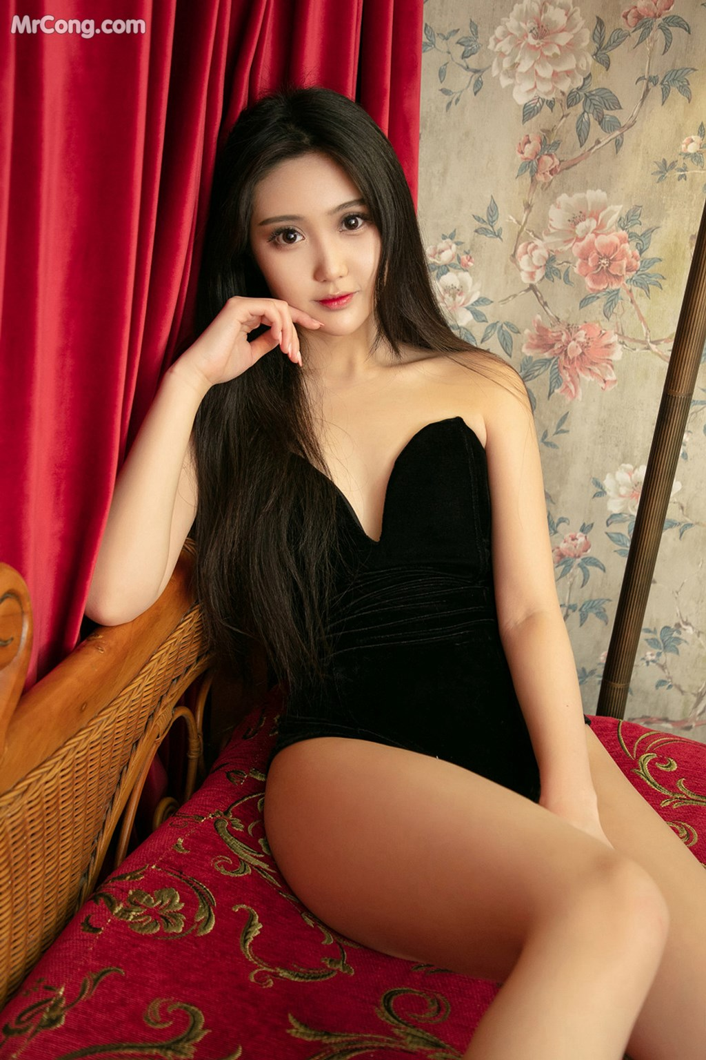 Image UGIRLS-U426-MrCong.com-001 in post UGIRLS U426: 一只香蕉船 (65 ảnh)