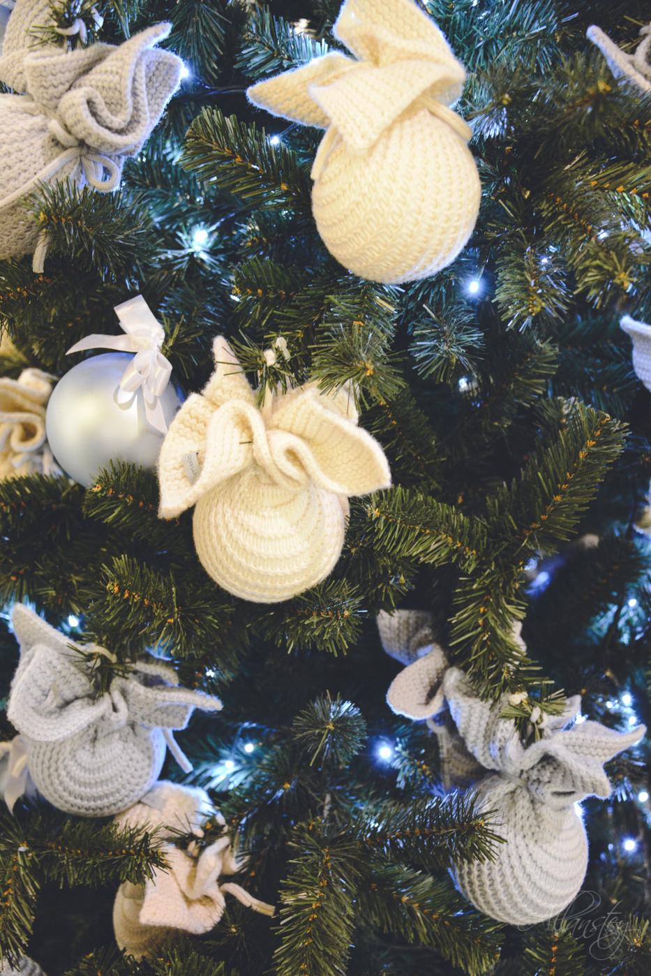 Christmas tree decoration creative design