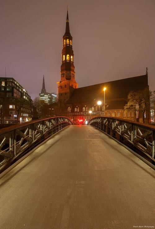 Hamburg und Norddeutschland: Orange The City gestern in Hamburg