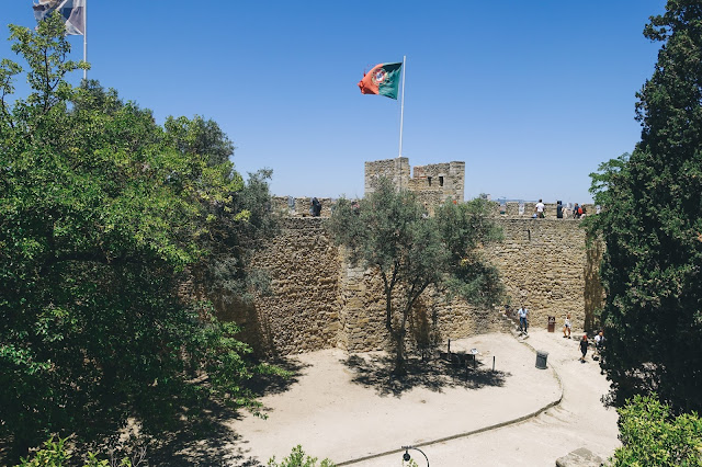 サン・ジョルジェ城(Castelo de S. Jorge)|中庭2