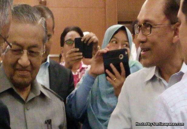 Mahathir dan Anwar Berdamai
