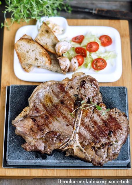 steak, t-bone, mieso, wolowina, obiad, bernika, grill, kulinarny pamietnik