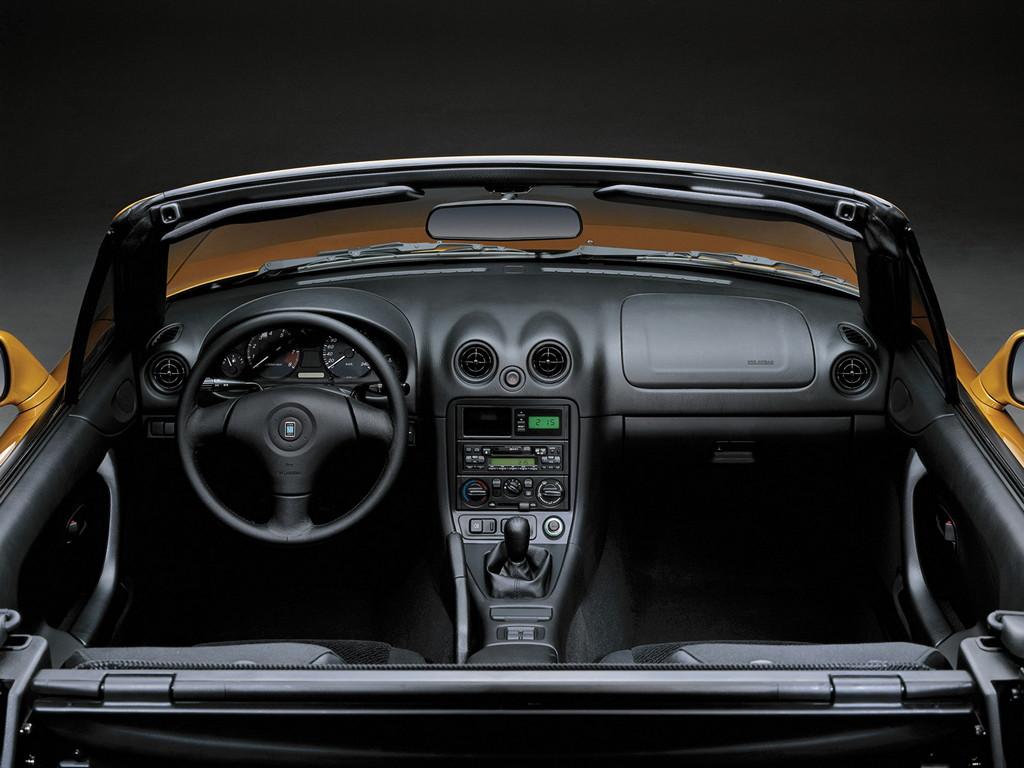 Mazda MX-5, Miata, Eunos Roadster, kultowy, legendarny, 日本車, スポーツカー, オープンカー, マツダ, druga generacja, NB, wnętrze