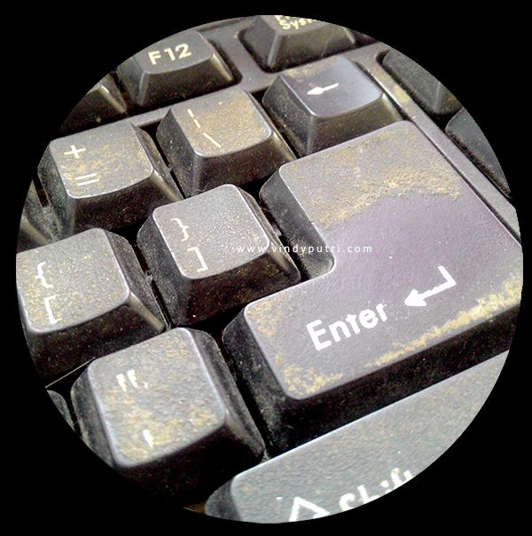 Lemak/Kotoran pada Keyboard