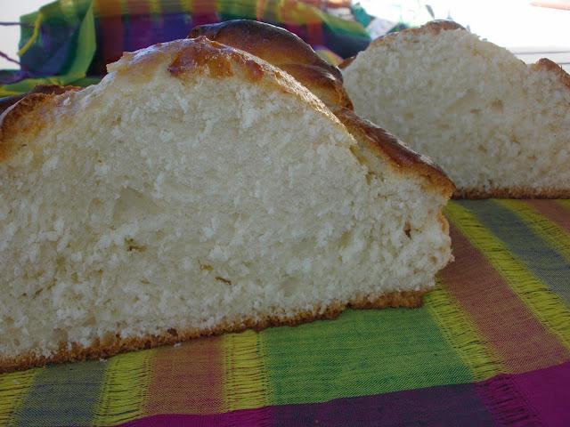 MIGA-DEL-PAN-DE-MUERTO
