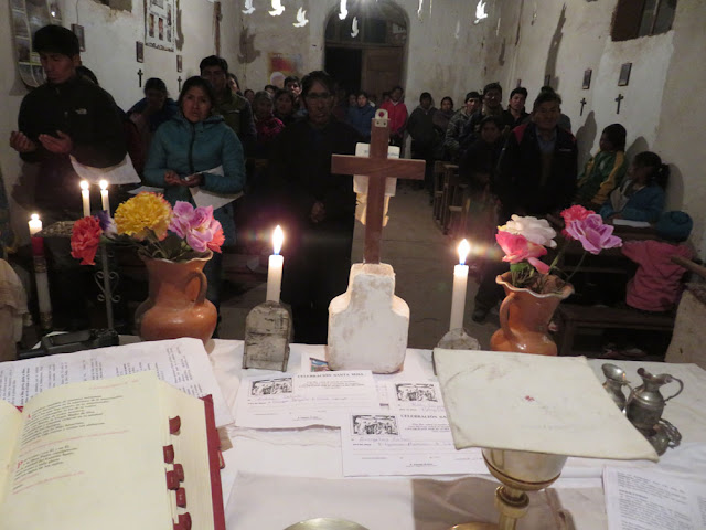 Dienst in Casa Grande an der argentinischen Grenze. Gottesdienst ist gut besucht.
