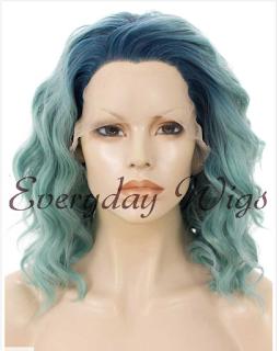 Peluca en tonos azules