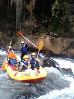 Paket Rafting Songa Pekalen Probolinggo Sehari