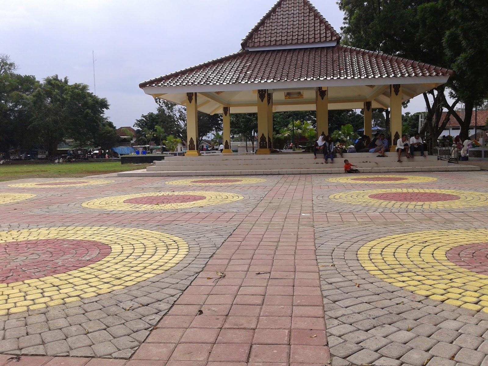joglo alun-alun, alun-alun Banjarnegara, banjarnegara