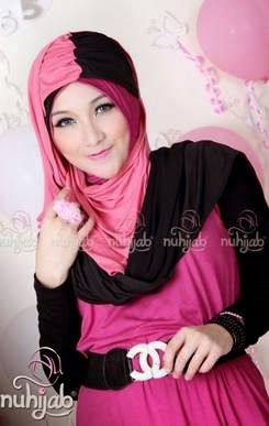 Aneka hijab remaja trendy dari bahan kaos