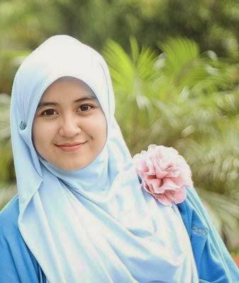 Foto Muslimah Cantik Berjilbab