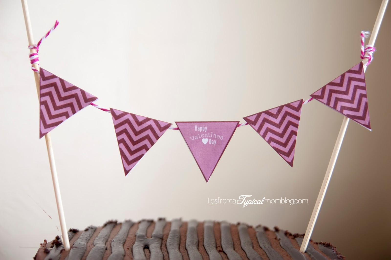 Valentines Day cake banner free printables.