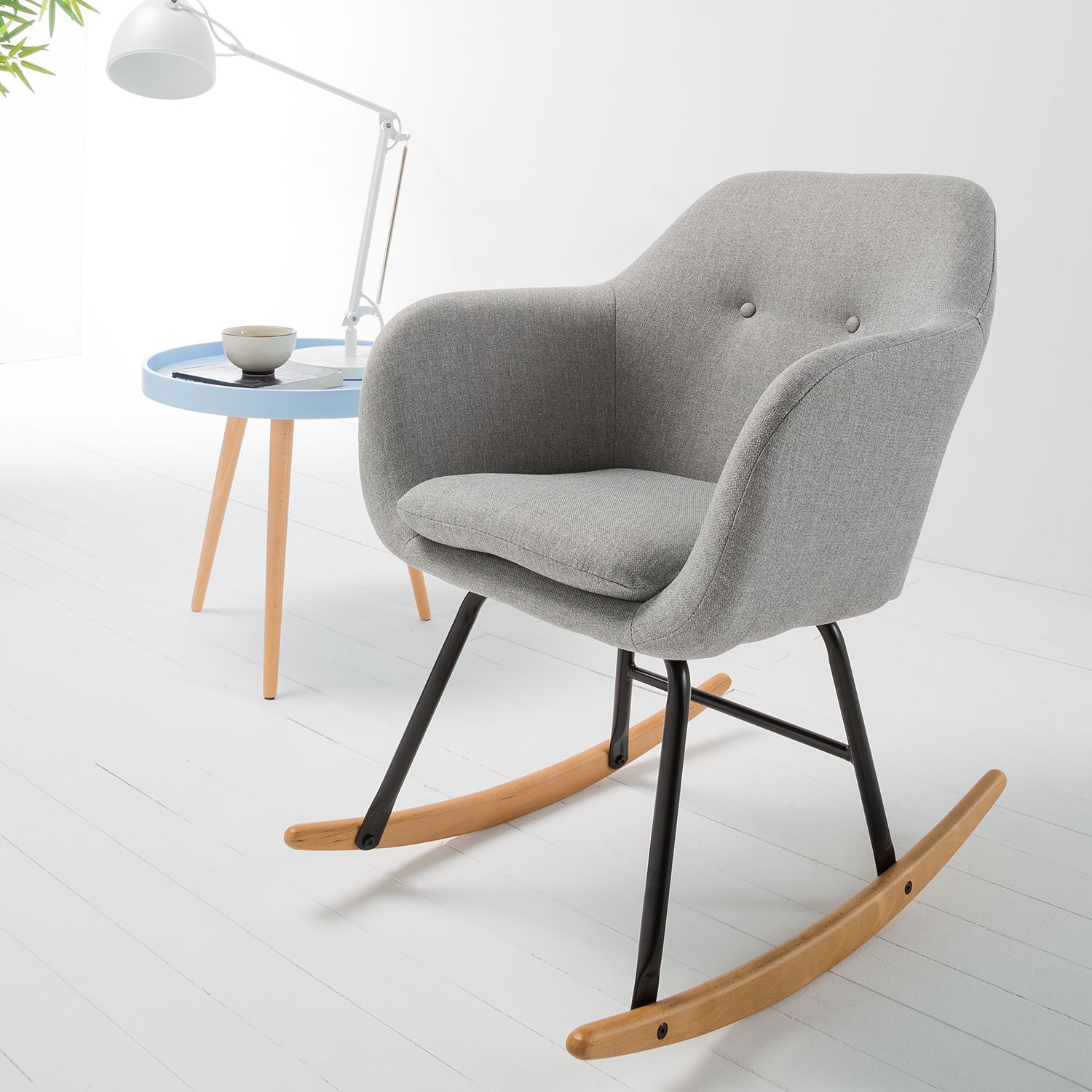 Chaise à bascule scandinave pour le salon - Home24 -