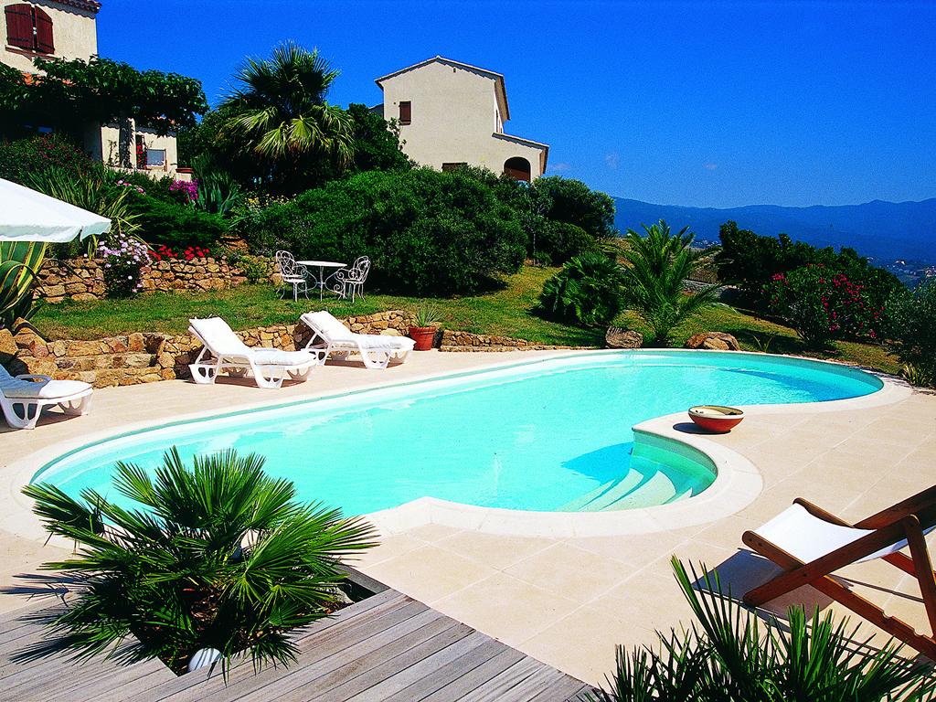 Cerem costruzioni srl piscina in villa sardegna - Del taglia piscine ...