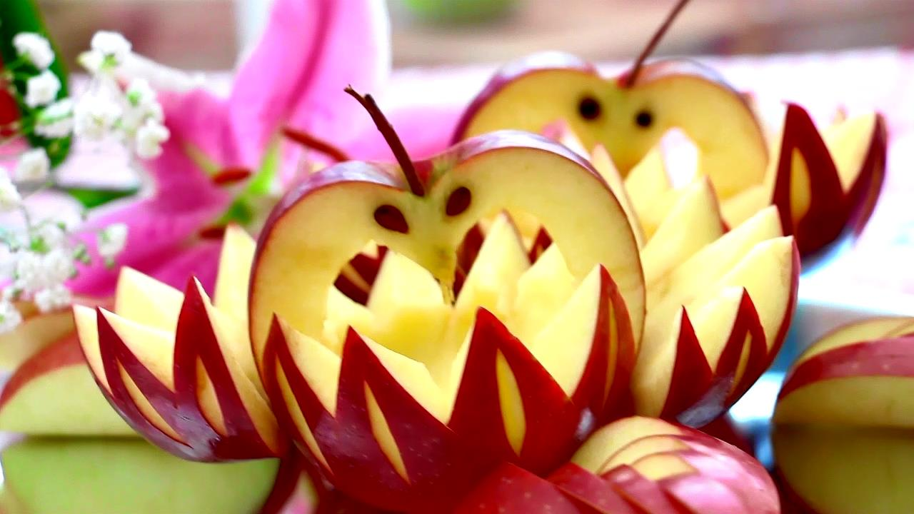 how to make fruit carving apple