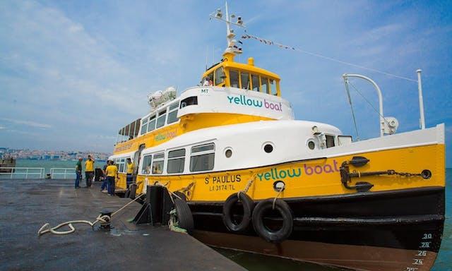 Yellow Boat em Lisboa