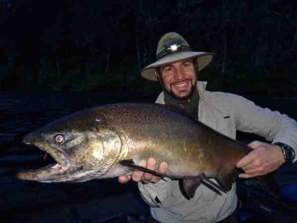 Let 39 s go fishing upper rogue spring kings rogue river for Rogue river fishing report
