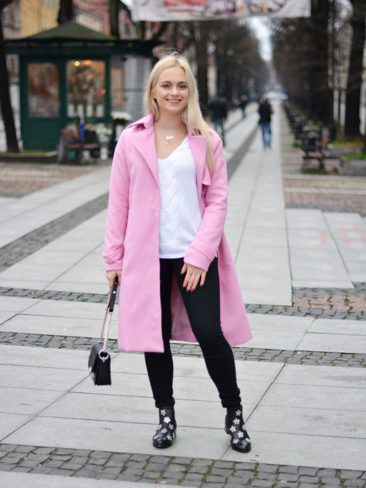 stylizacja liliowy płaszcz