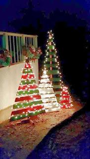 Inspirasi Dekorasi Natal Outdoor Unik dan Mungil