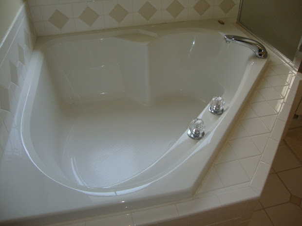 Bathtub Soaking Tub