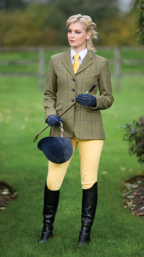 An Essential Guide to Country Clothes For Women - Woman ...