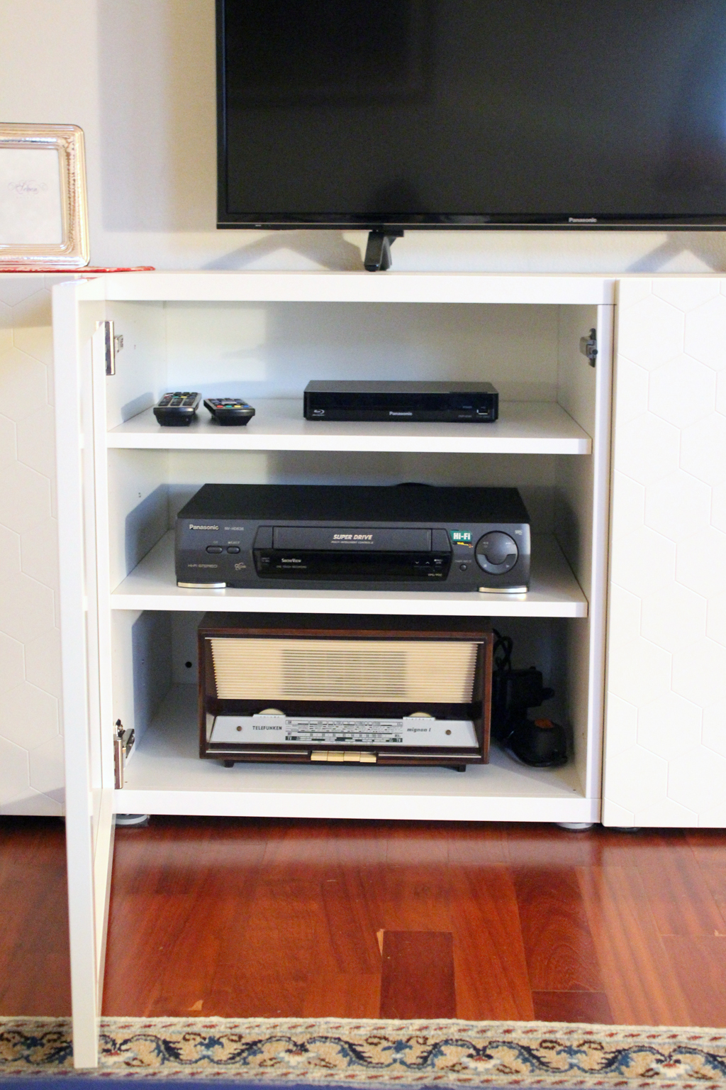 Ikea Stuva Mobile Con Ante.Ikeahack Stuva Besta Tv Stand And Media Storage Home Shaped