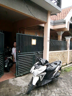 Jl. Jambangan Indah Surabaya Selatan
