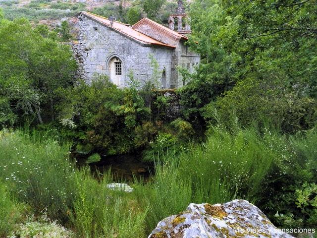 Pitoes das Júnias, monasterio, abandonado, Portugal