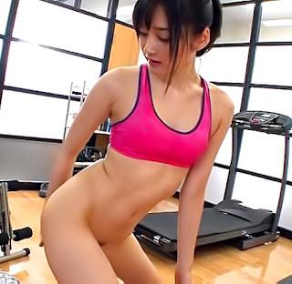 Cute Asian Mizuho Uehara gives a steamy blow job indoors Jav HD