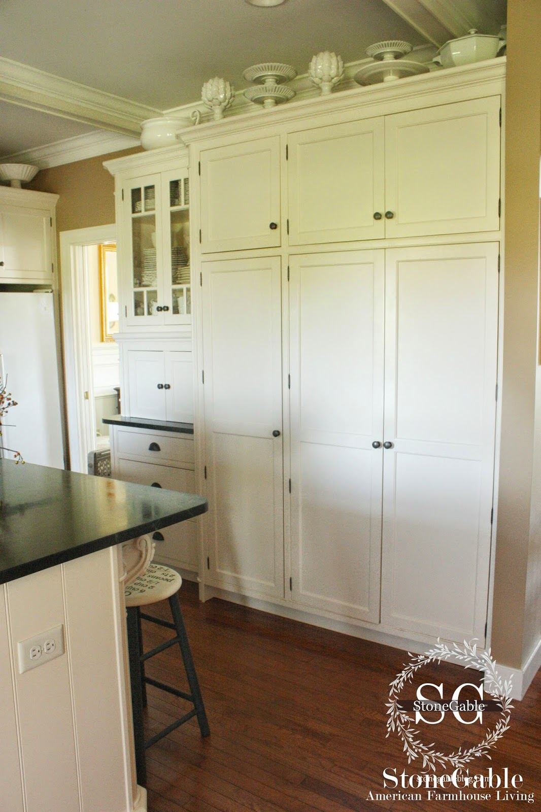 White Cabinets Go A Long Long Way To Set A Farmhouse Style Mood!