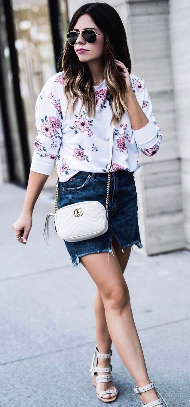 simple outfit idea: top + denim skirt + bag
