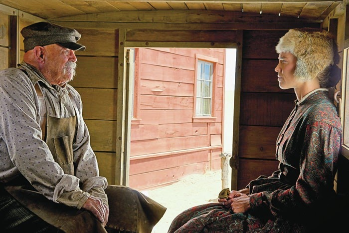 the homesman-barry corbin-hilary swank