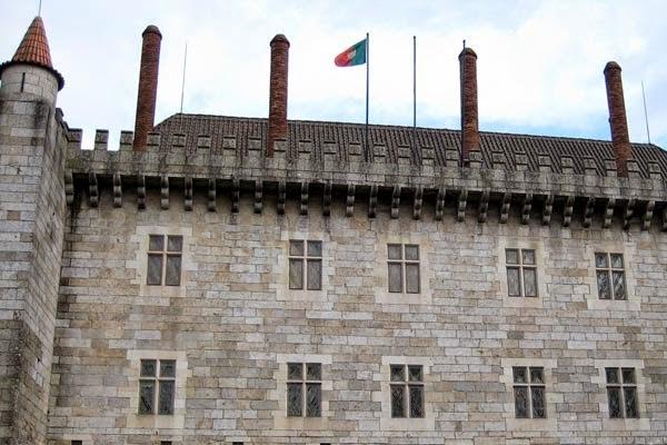 monumento nacional paço duques de bragança guimaraes