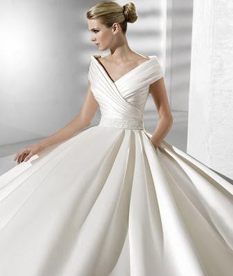 236f883dc025d La sposa gelinlik modelleri, prenses yakali La sposa gelinlik yilin en trend  kabarik gelinlikleri.